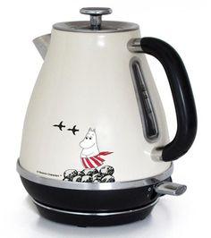 Moominmamma kettle l - The Official Moomin Shop Moomin Shop, Moomin Valley, Tove Jansson, Cord Storage, Marimekko, Small Appliances, Home Accessories, Troll, Tea Pots
