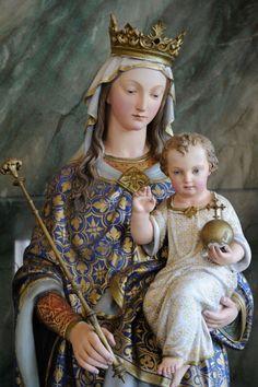 Santíssima Virgem Maria                                                                                                                                                      Mais