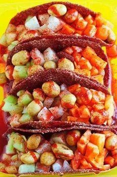 Tacos de fruta y chamoy mm