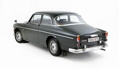 Volvo one of the rare ones Volvo Cars, Volvo Auto, Volvo S90, Volvo Amazon, Good Looking Cars, Cars Uk, Old Classic Cars, Retro Cars, Cool Cars