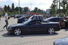 Zoom out E36 Cabrio, Bmw Sport, Bmw E30, Nice Cars, Cars And Motorcycles, Dream Cars, Convertible, Classic Cars, Heaven