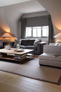 www.detoren.eu #penthouse #Essen #home #livingroom #salon #sofa #grey #style #deco #inspiration #white #salon #window #light