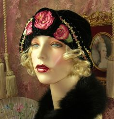 1920'S VINTAGE DOWNTON GATSBY BLACK VELVET OMBRE RIBBONWORK CLOCHE FLAPPER HAT