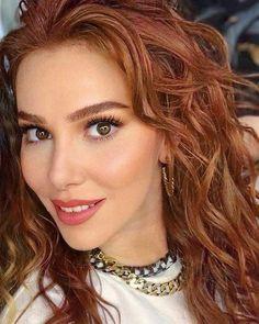 Red Hair Woman, Elcin Sangu, Birthday Quotes For Best Friend, Turkish Actors, Makeup Tips, Actresses, Princess, Beautiful, Turkey