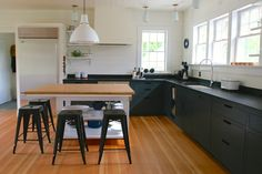 In search of the ideal island for her family's kitchen, green-roof designer Lisa Goode discovered Siosi Design and Build via Etsy. The hitch: The workshop is in Bloomington, IN, 860 miles from the Goode's Amagansett, NY, house. Without seeing Siosi's work firsthand, she commissioned the two owners to build the most important piece in her remodel. Brave? Crazy? A little bit of both? Take a look and decide.