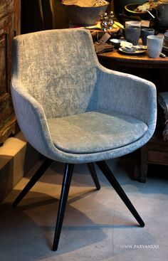 Parvani | Eetkamerstoel-kuipje-houten-poot-velours-stof Sofa Chair, Upholstered Chairs, Armchair, Luxury Dining Chair, Dining Chairs, Photoshop Design, Chair Design, Furniture Design, Sofas