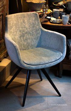 Parvani| Eetkamerstoeltje, kuipstoel, kruispoot, draaipoot, RVS, zwart, hout, velours stof. Sofa Chair, Upholstered Chairs, Armchair, Luxury Dining Chair, Dining Chairs, Photoshop Design, Chair Design, Furniture Design, Sofas