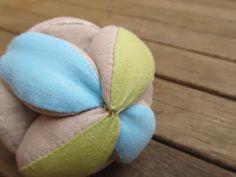 SweaterDoll: fReemade Tutorial: Amish Puzzle Ball
