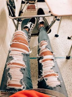 20 ideas fashion inspo ideas ripped jeans How to wear ripped jeans outfits ideas with ripped jeans ways to wear shoes Casual School Outfits, Teenage Outfits, Cute Comfy Outfits, Teen Fashion Outfits, Jean Outfits, Outfits For Teens, Trendy Outfits, Girl Outfits, Jeans Fashion
