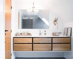 corian-shell-oaktree-drawers-bathroom