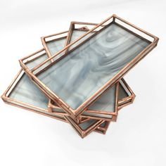 A stained glass tray or valet made of stained glass and lead-free, silver alloy solder, with a copper finish. The opaque glass is reminiscent of carrara mar~ Recherche Photo, White Tray, Agate Coasters, White Stain, Jewelry Tray, Crystal Grid, Stained Glass Projects, White Home Decor, Glass Tray