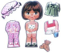 Boneca papel, você recortava as roupinhas e colocava sobre a boneca, tinha um truque para prender a roupa. Eu, muito delicada, metia cola em tudo. Ficava uma 'beleza'