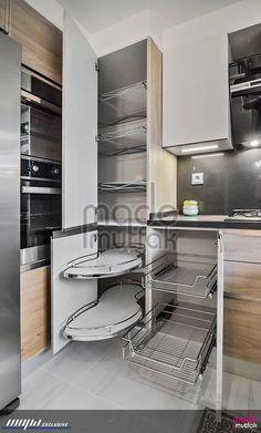 Tasarım ve uygulamasını yaptığımız bir mutfak. Kitchen Pantry Design, Diy Kitchen Storage, Modern Kitchen Cabinets, Modern Kitchen Design, Kitchen Layout, Home Decor Kitchen, Interior Design Kitchen, Kitchen Furniture, Home Kitchens