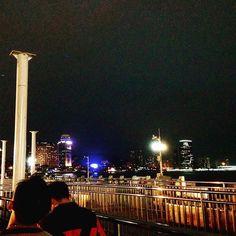 Instagram【lisakamex_shanghilife】さんの写真をピンしています。 《中国廈門アモイ フェリー乗り場! 島から戻るフェリー乗り場です。人が多い中国では、乗り物に乗るのは一苦労します。  プロフィールのホームページに、マジメ?な中国Facebookがあります。www.lisakamex.co.jp  #廈門 #夜 #島 #夜景倶楽部 #夜景 #フェリー #旅行 #プチ旅行 #海外旅行 #中国 #中国人 #中国旅行 #上海 #上海生活 #上海旅行 #china #chinalife #chinatrip #chinatown #xiamen #shanghai #shanghailife #shanghaitrip #night》