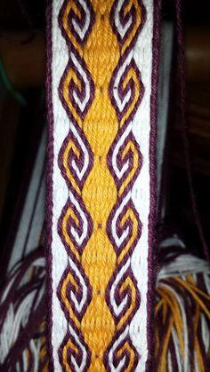 Finchingefeld's Fancies | Advanced Card Weaving | Ram's Horn Pattern