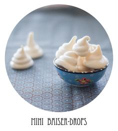 ...made some mini Baiser-Drops (meringue-drops) today. sweet & yummie :)