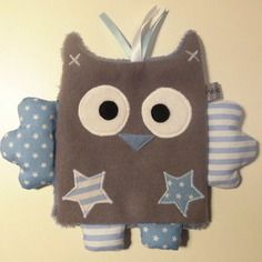 Doudou plat hibou bleu et blanc - création bébé fait-main Sewing Toys, Baby Sewing, Sewing Crafts, Sewing Projects, Owl Fabric, Fabric Dolls, Sensory Blanket, Baby Clothes Patterns, Baby Art