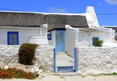 Vernacular Architecture, Architecture Art, West Coast Fishing, Pioneer House, Canvas Painting Projects, Fishermans Cottage, Cape Dutch, Barn Pictures, Cottage Art