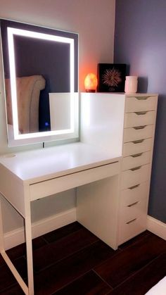 Room Design Bedroom, Small Room Bedroom, Room Ideas Bedroom, Bedroom Mirrors, Small Bed Room Ideas, Ikea Room Ideas, Small Bedroom Vanity, Cheap Bedroom Ideas, Beauty Room Decor