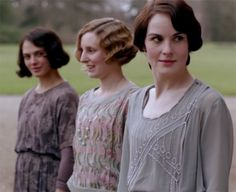 Welcome Back, Downton Abbey! We Analyze the Fashion in the First Episode