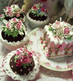 Tea: Victorian cakes for time. (And here I thought I took my tea snacks seriously.) (dessert ideas for party tea time) Victorian Cakes, Victorian Tea Party, Pretty Cakes, Beautiful Cakes, Amazing Cakes, Fancy Cakes, Mini Cakes, Tea Cakes, Cupcake Cakes