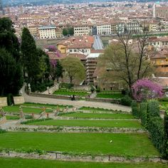Enjoy some time outdoors in Florence's magnificent gardens (and parks), some of the best offer a stupendous panoramic view of the city!
