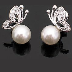 Look at these Pearl Butterfly Stud Earrings! Only USD $ 0.79 OMG!