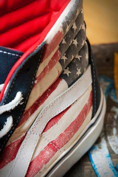 a63f22a88a5d32 La VANS SK8-Hi Reissue bandiera americana edizione limitata in esclusiva  per Athletes World-AW LAB