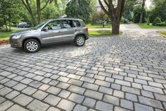 Varying size paving stones