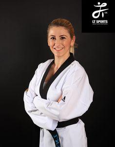Taekwondo Girl, Martial Arts Women, Military Girl, Art Women, Karate, Female Art, Art Photography, Coat, Fashion