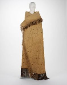 Man's cloak – Objects - RISD MUSEUM New Zealander, New Zealand, Man's cloak, Twined flax with wool pompoms, Finger Weaving, Hand Weaving, Flax Weaving, Maori People, Maori Designs, French Collection, Folk Clothing, Maori Art, High Art