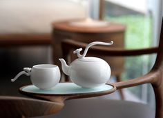 Stylish and delicate tea set by Heinrich Wang