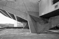 Begrisch Hall, Marcel Breuer