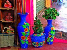 Ilobasco es conocido principalmente por sus miniaturas de barro. Es una hermosa ciudad colonial en la que trabajan los mejores artesanos. El pueblo está lleno de tradiciones y actividades.