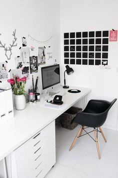 .White Workspace | Home Office Details | Ideas for #homeoffice | Interior Design | Decoration | Organization | Architecture | Desk | Beautiful Home Offices | Bright Bold and Beautiful | Home office decor ideas.