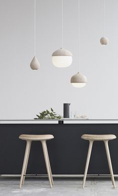 The Mater Terho Lamp is designed by the Finnish designer Maija Puoskari. Inspired by nature, Terho means 'acorns' in Finnish and simply refers to the organic and appealing shape of acorns found in nat