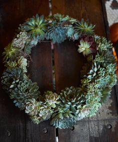 DIY Holiday Wreath - See more stunning DIY Chrsitmas Wreath ideas at DIYChristmasDecorations.net!