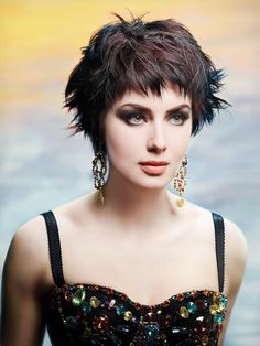 wish i could wear this, it would be so much easier dealing with thinning hair  Pixie cut for summer by Rodney Cutler.  #Howto