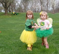 haha. i had boots just like the little girl in the yellow tutu