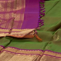 Sari / Silk Saris - Parisera