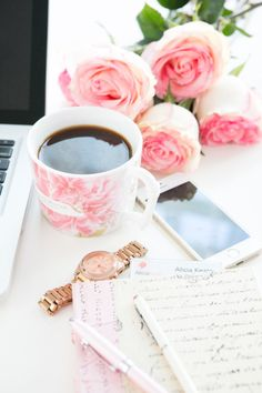 22 Life-Changing Smartphone Apps that Will Save You Time - Style Me Pretty Living Happy Week End, Happy Monday, Style Me Pretty Living, Best Apps, Blogger Tips, Coffee Break, Coffee Time, Girly Things, Save Yourself