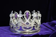 The Infinity sign is the main feature on the Enhle crown symbolising the enormity and ongoing nature of her roll as Miss South Africa. Miss World 2014, Pageant Crowns, Eye For Beauty, Crown Headband, Creative Thinking, South Africa, Hair Clips, Jewels, Gemstones