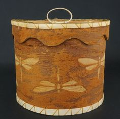 Dragonfly Birchbark container by Aron Griffith, Maliseet (Maine) at Home & Away Gallery Native American Baskets, Native American Crafts, Birch Bark Baskets, Woodland Indians, Tree Bark, Native Art, Home And Away, Wood Boxes, Nativity