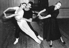 Margot Fonteyn rehearsing Spectre de la Rose with Tamara Karsavina