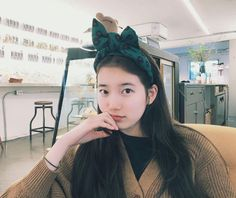 Suzy Is the Example of Innocent Beauty