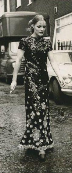 Romy in den Siebzigern Romy Schneider, Sissi, Heroes Actors, Nastassja Kinski, Alain Delon, Portraits, Timeless Elegance, Mannequins, Beautiful Actresses