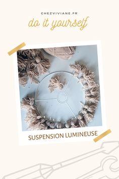 🛠 VENDREDIY 🛠 Que la lumière soit ! J'ai toujours eu envie de dire ça, vous ne me voyez pas mais la j'ai pris une posture théâtrale. Bref, coucou à vous et bienvenue sur ce nouveau post Vendrediy. #deco #eclairage #lamp #suspension #suspensiondiy #diylamp #luminaire #lumiere #diyideas #diyvideo #diydecor #diytutorial #diyhome #bricolage #bricolagefaitmain #bricolagemaison #diy #diylover #diyproject #diyprojet #recup #faitmain #lovediy #lovediyproject Diy Décoration, Dire, Tutorial, Decorative Plates, Envy, Peek A Boos, Welcome, Bricolage