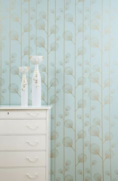 Ribbed leaf wallpaper from Ferm Living. So pretty and delicate, without being overly feminine. For the back of the bookcases.