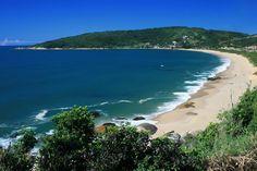 Camboriú: as praias mais lindas do Sul do Brasil http://blog.embarkviagens.com.br/camboriu-praias-mais-lindas/