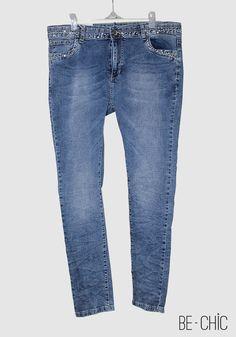 Jeans avec strass | couleur bleu | Prix : 180dh